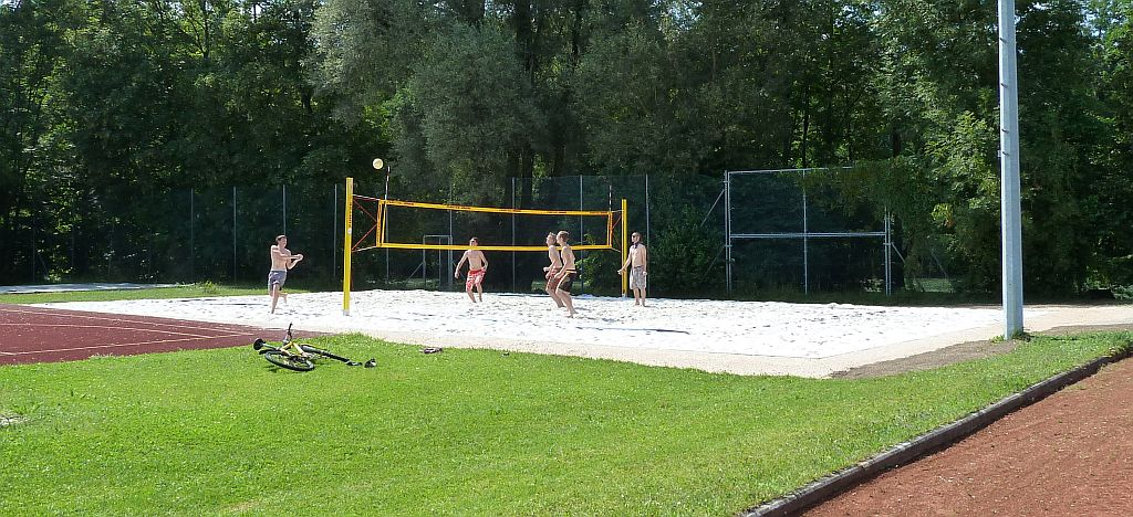 alt beachvolleyballplatz 12 int